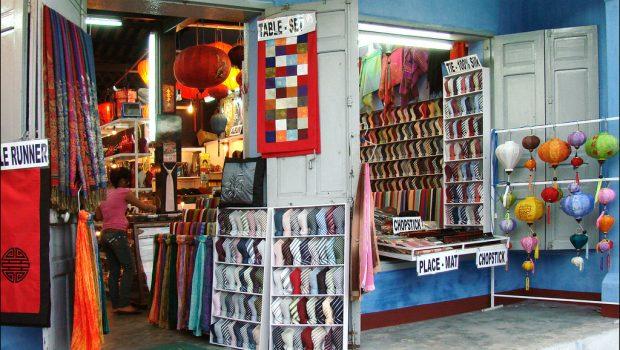 la foirfouille besancon stunning magasin meuble angoulins la foir fouille bazar et d stockage. Black Bedroom Furniture Sets. Home Design Ideas